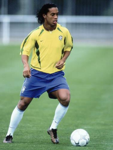 http://www.freewebs.com/braziliansoccer/Ronaldinho.JPG